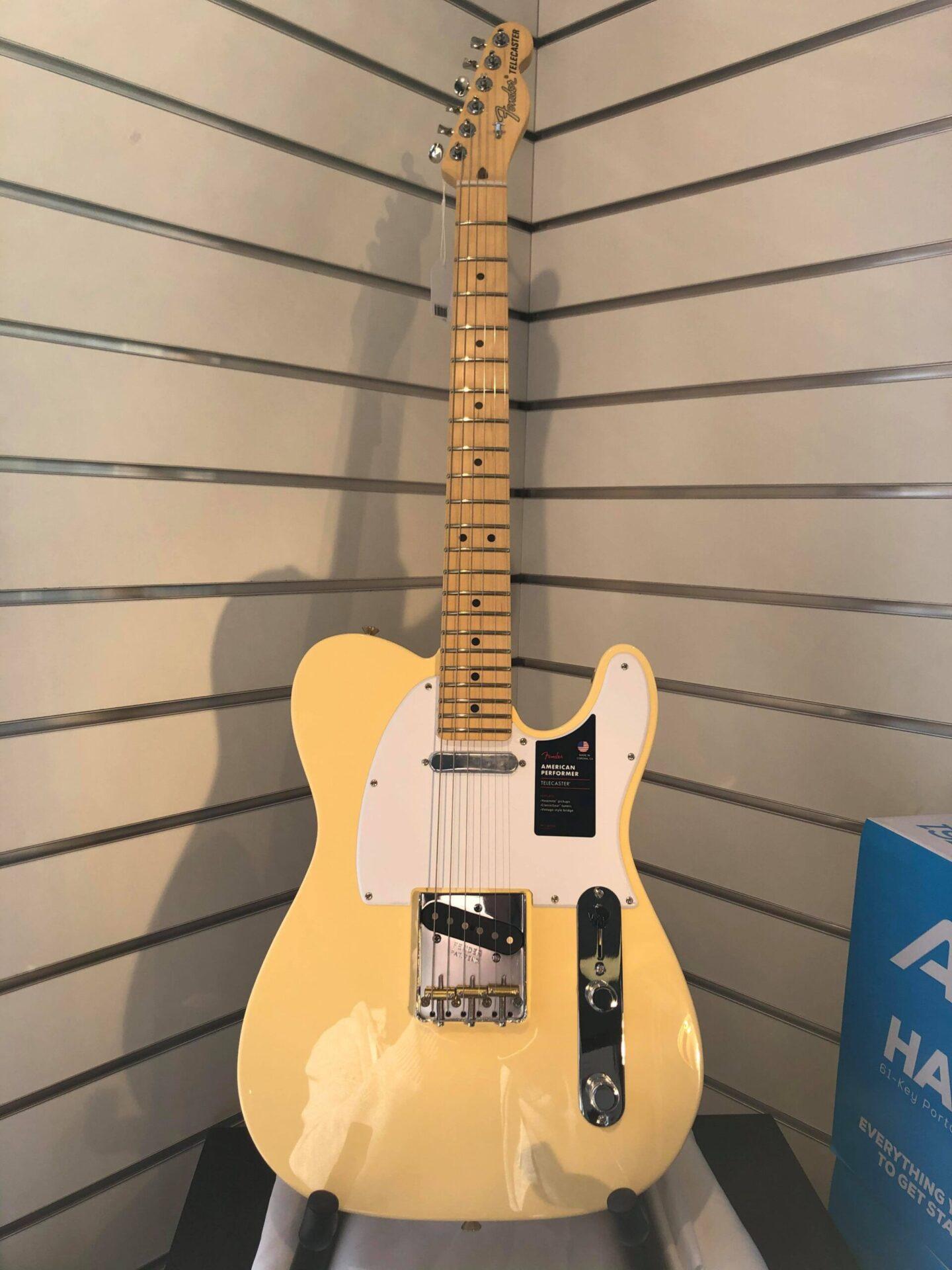 Fender Telecaster American Performer Vintage White